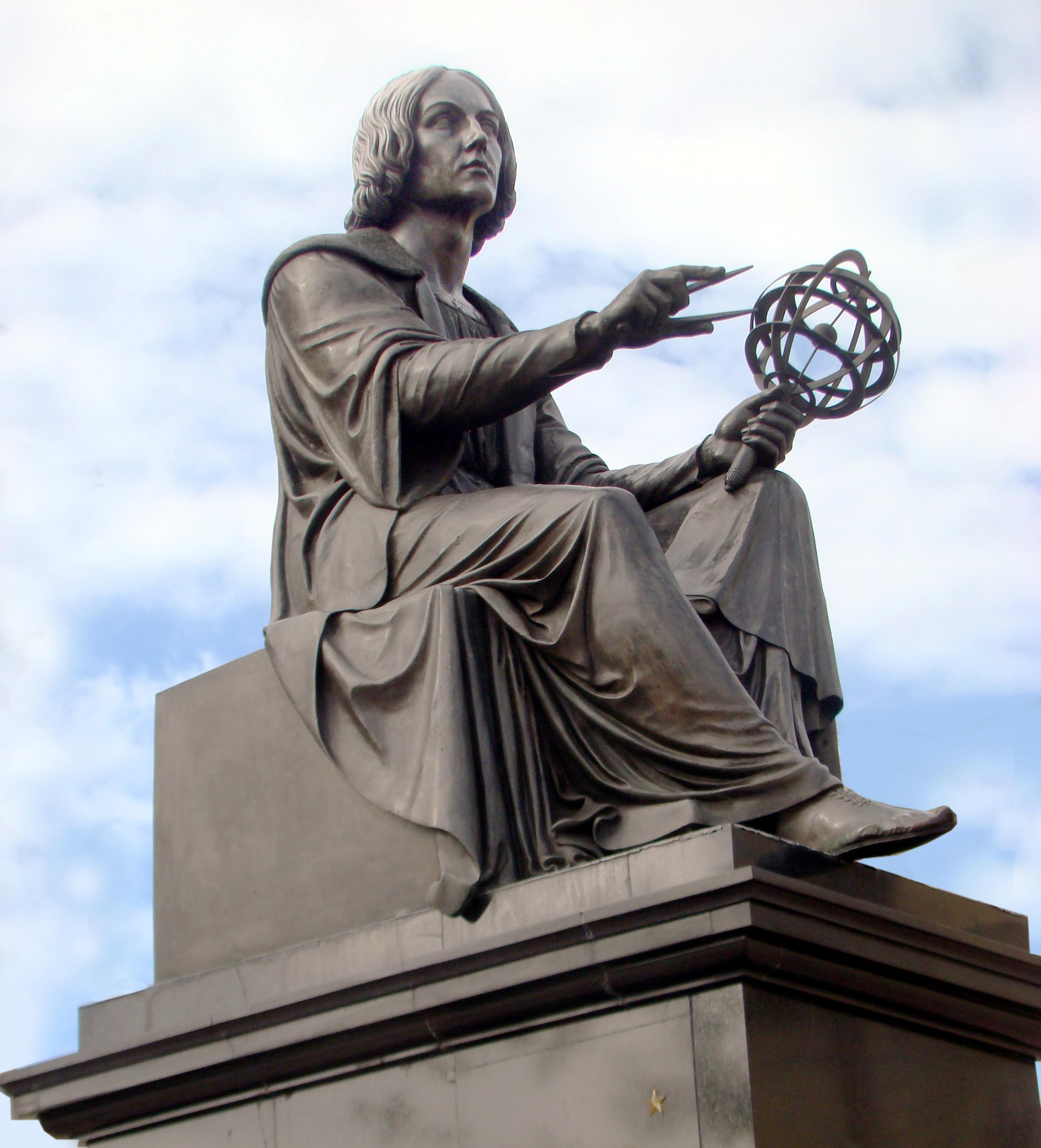 Copernicus_by_Thorwaldsen_Warsaw_02